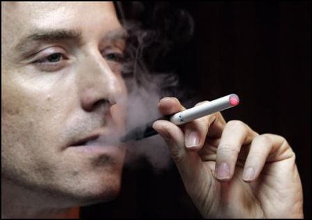 cara-memegang-rokok